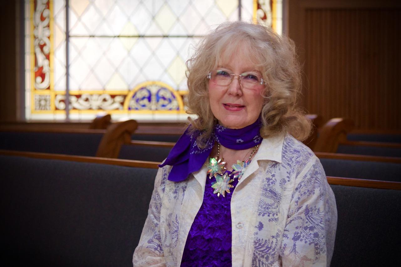 Marilyn Lee,  Organist