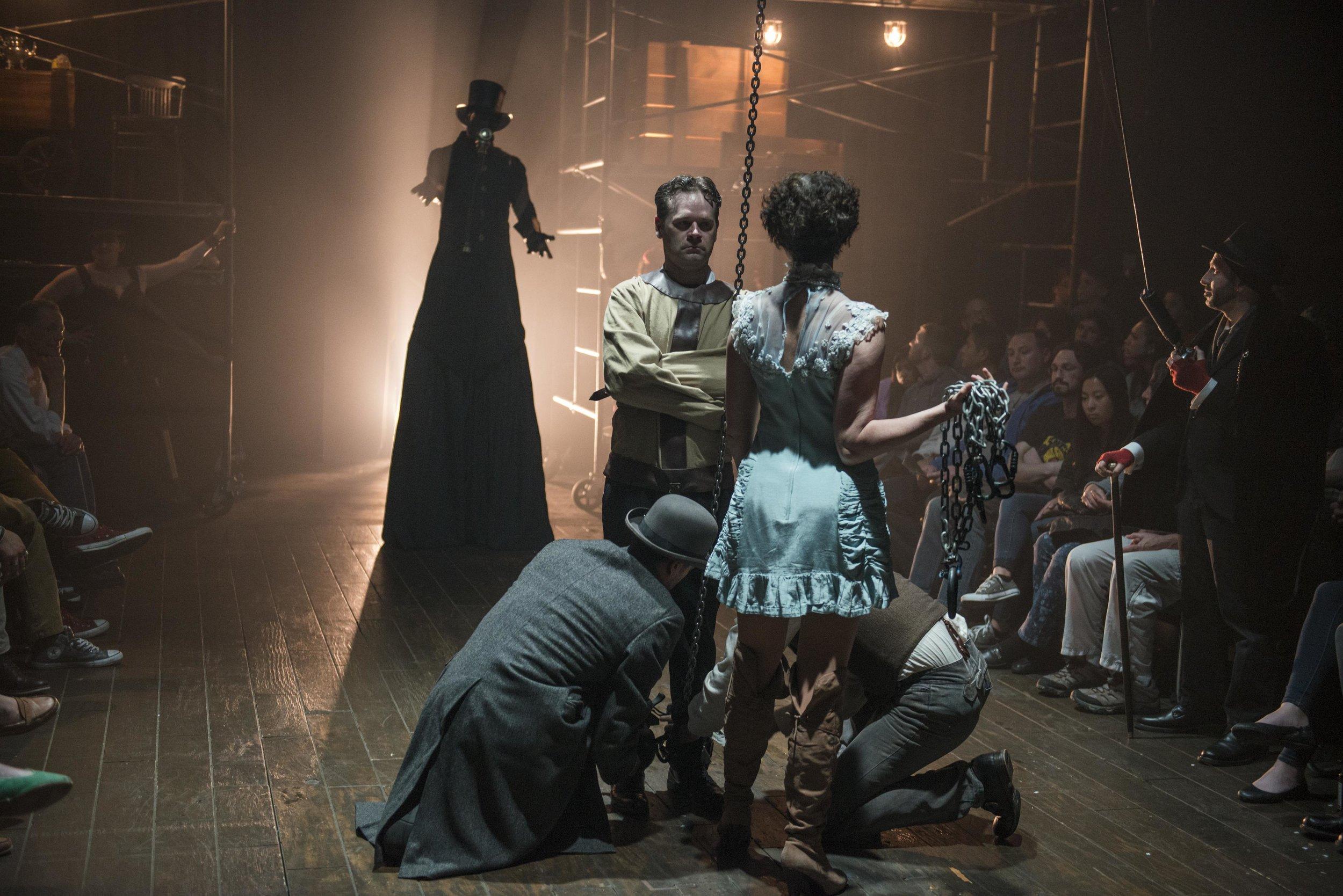 Houdini2016_012_HouseTheatre_DeathcomesforHoudini2_Watkins and Ensemble_photobyMichaelBrosilow.jpg