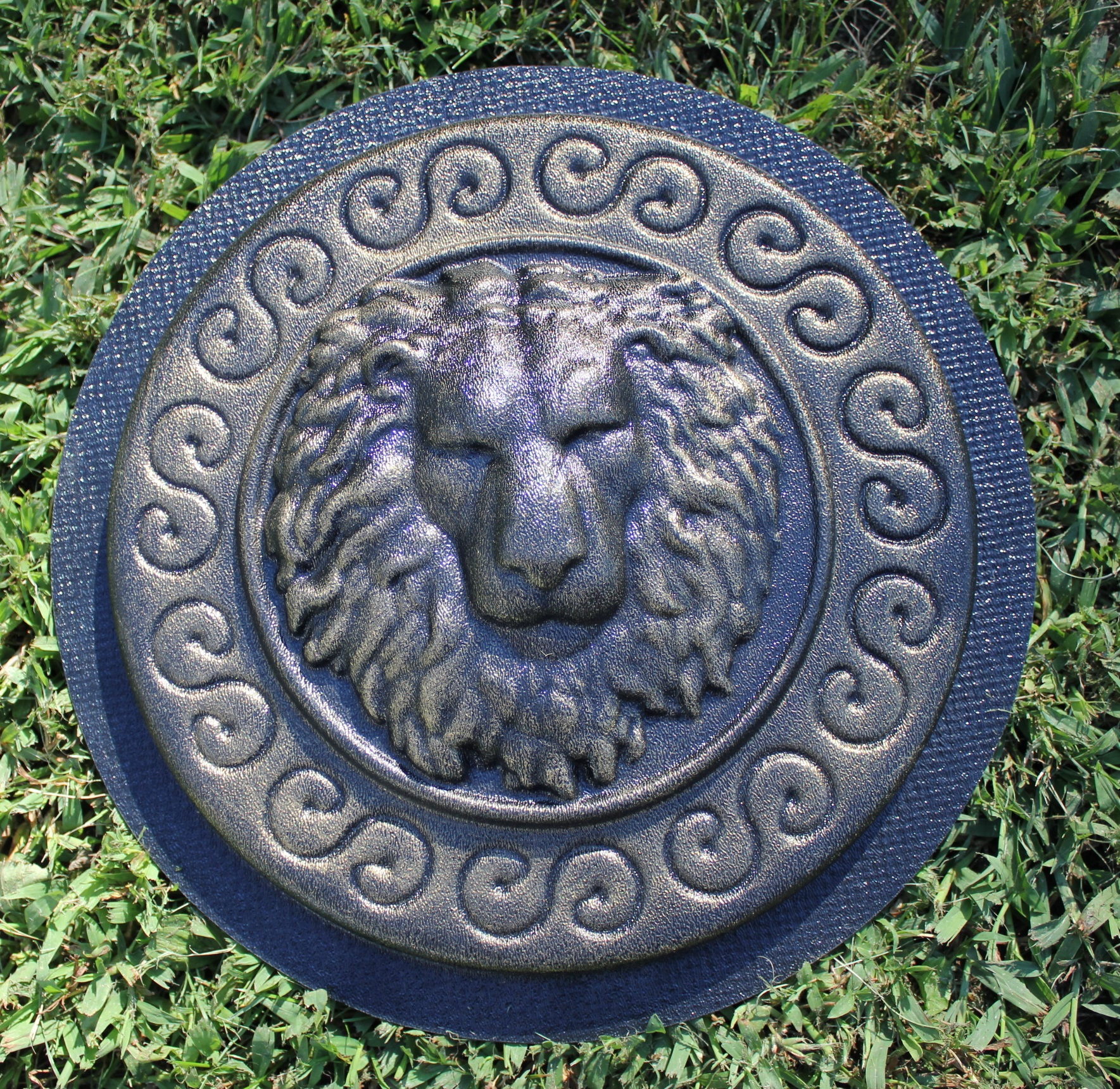 NEW heavy duty lion stepping stone mold