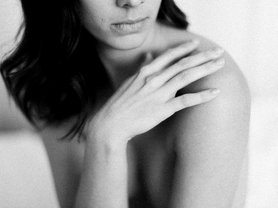 Fine Art Nude Boudoir Session Peaches & Twine Boudoir Photography Phoenix AZ Boudoir Photography Studio Mesa Boutique Boudoir studio 6.jpg