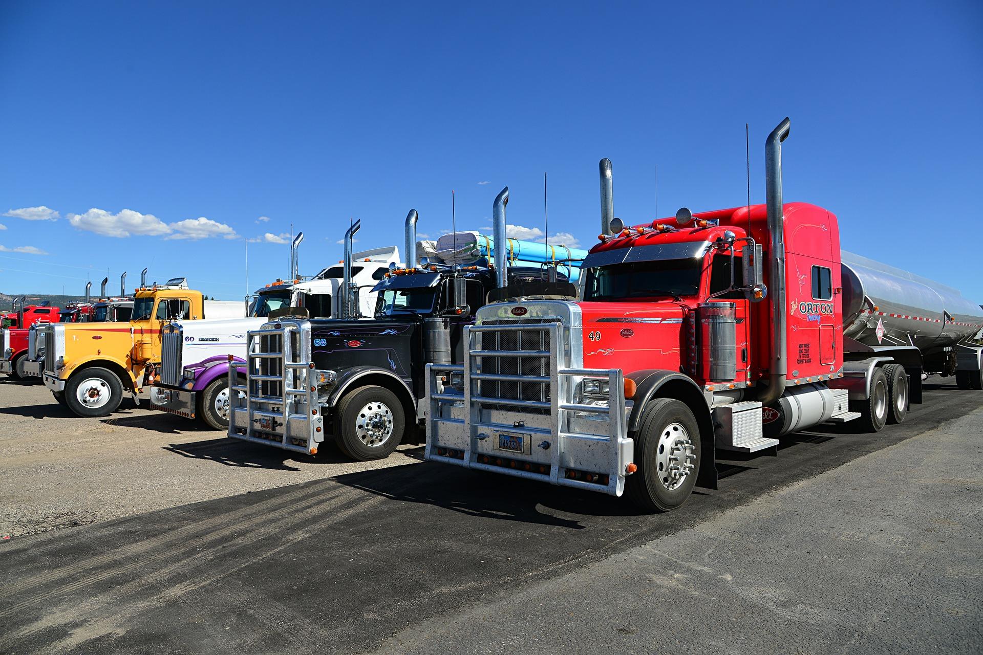 4 truck-602567_1920.jpg