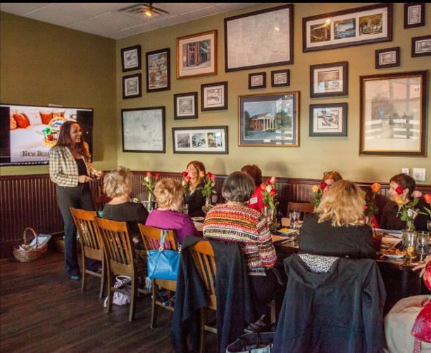 Meetings  Houck's is perfect for brunch, lunch, or dinner meetings. Conduct a client appreciation event, board meeting or an annual planning session for your company. We accommodate any corporate event.