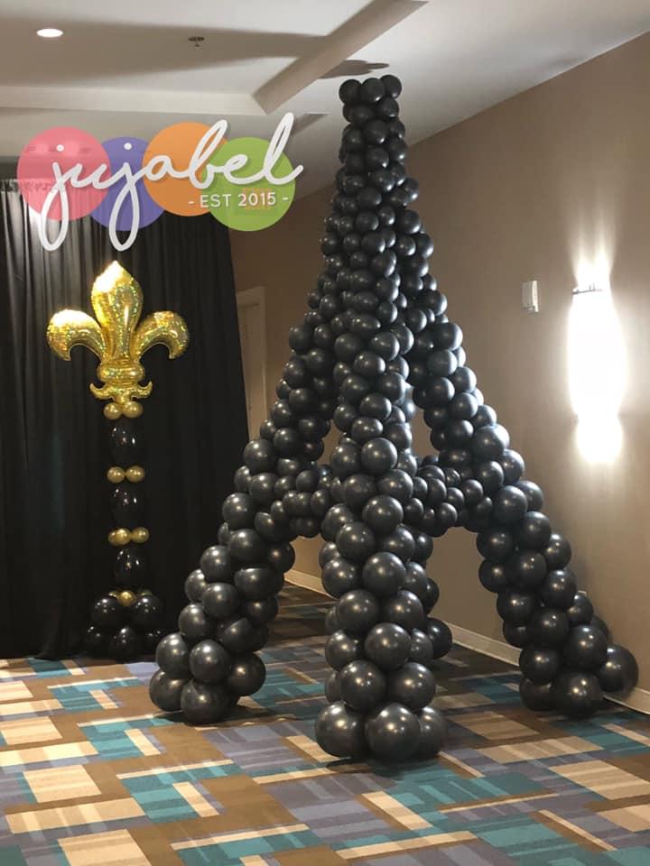 Eiffel Tower Balloon Sculpture
