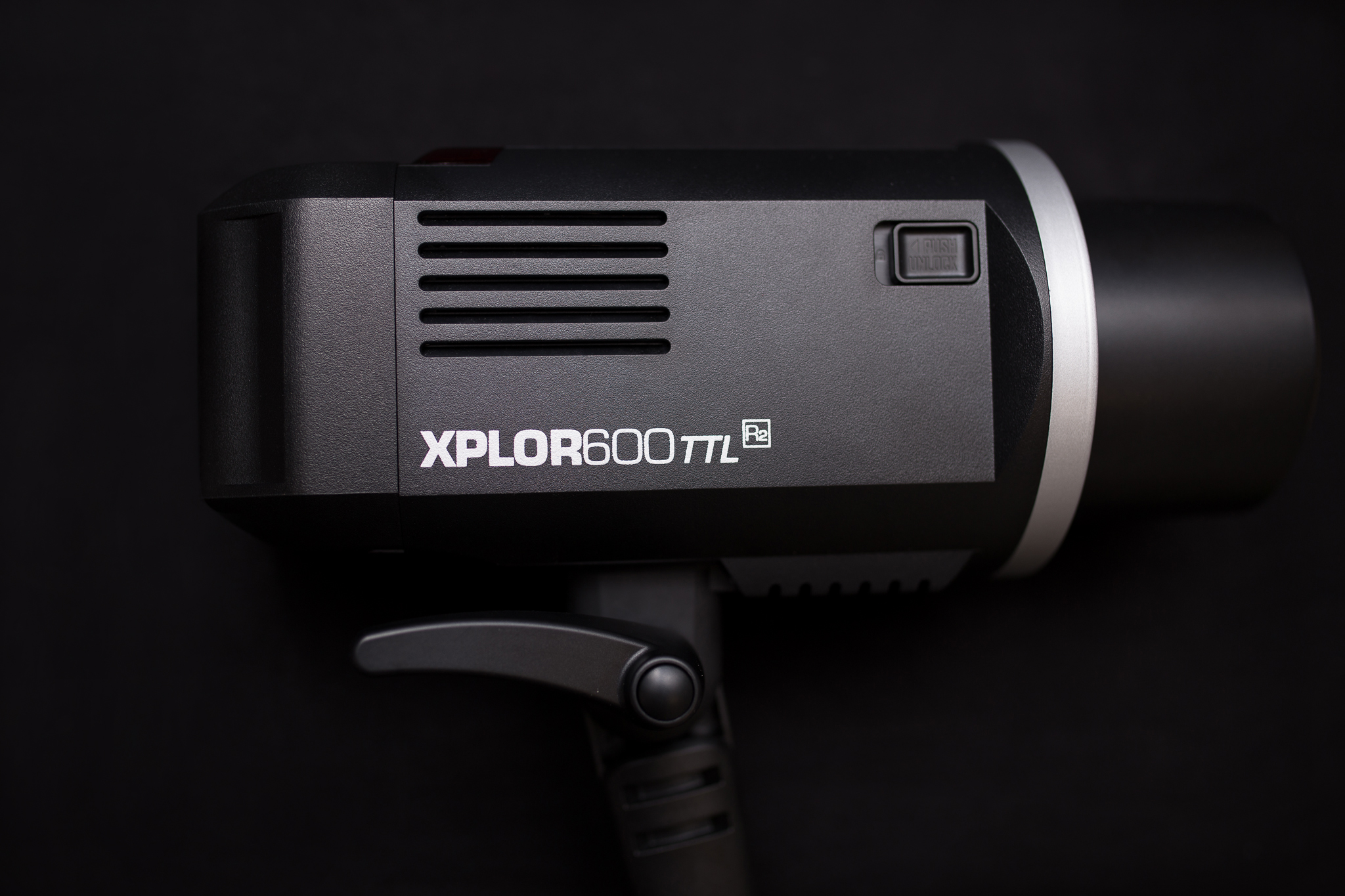 Flashpoint XPLOR 600 HSS TTL Battery-Powered Monolight for Canon (Bowens Mount)