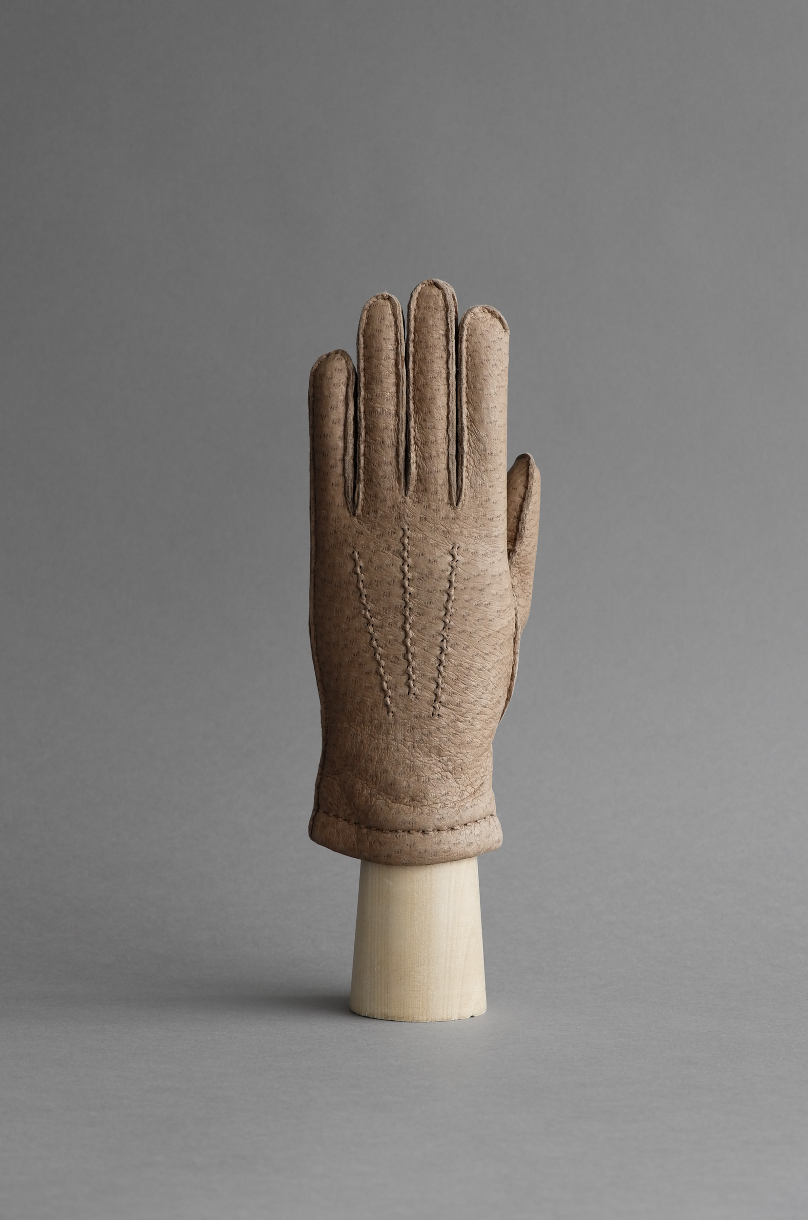 Thomas Riemer peccary gloves