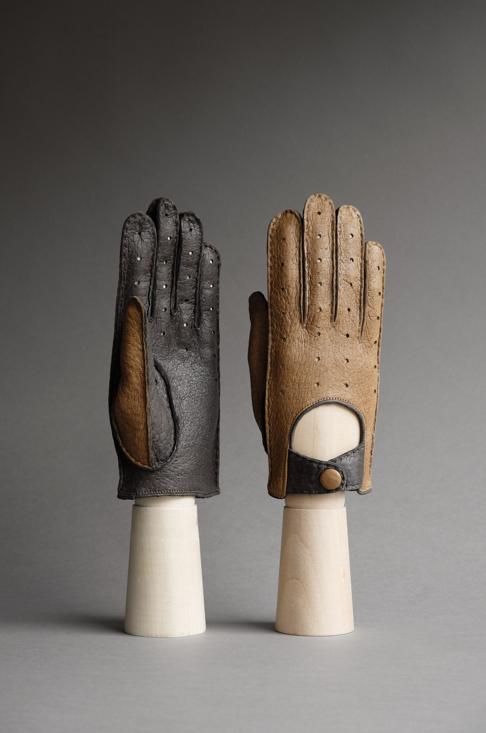 Thomas Riemer peccary driving gloves