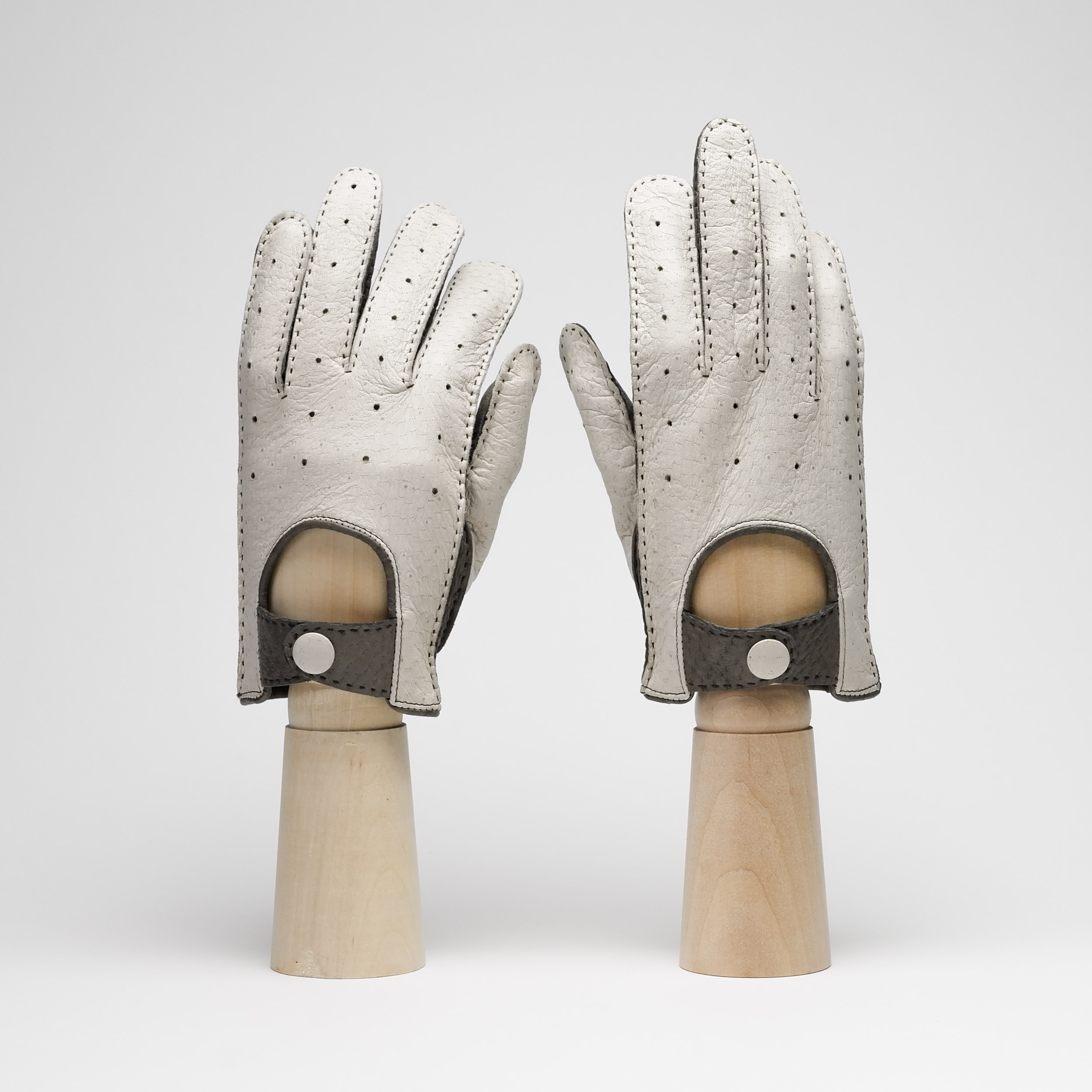 Thomas Riemer table cut gloves