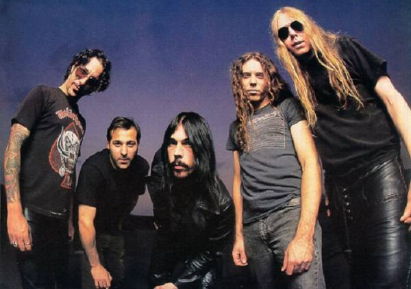 We discuss an anomaly in the glut of 90s alternative music, Monster Magnet.
