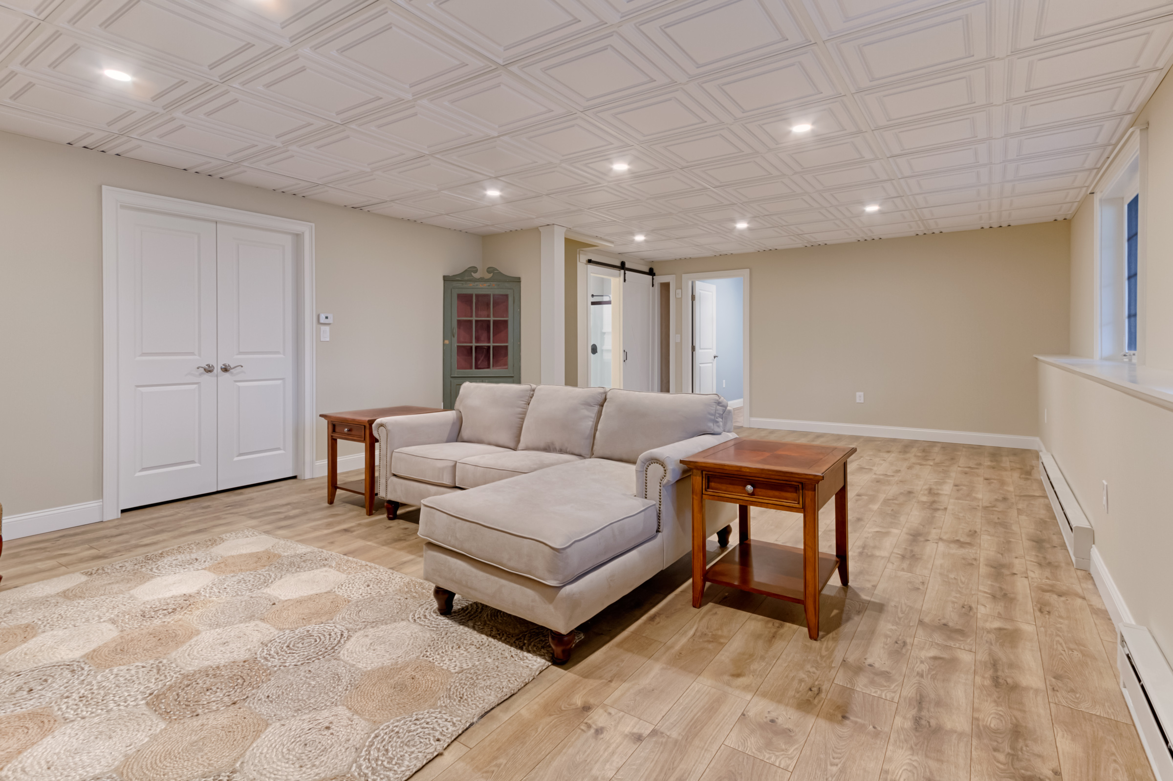 Living room - View 2.jpg
