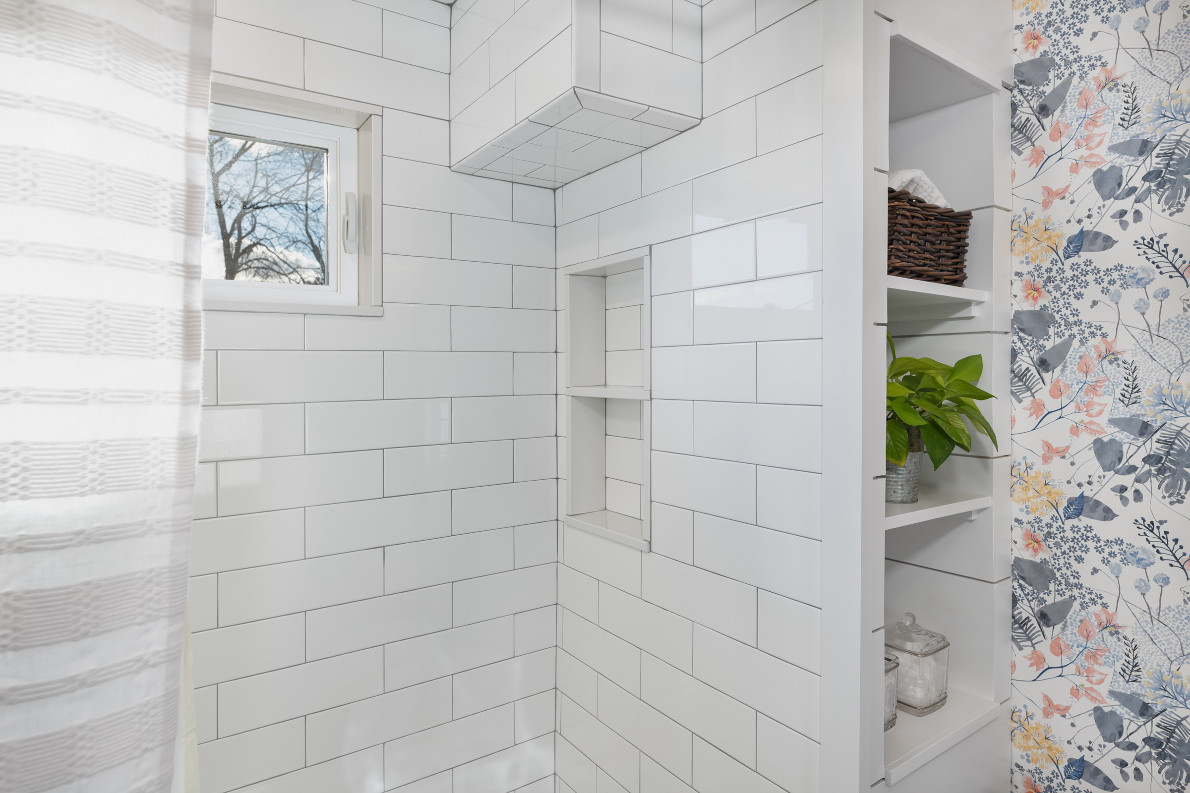 Shower and built in.jpg