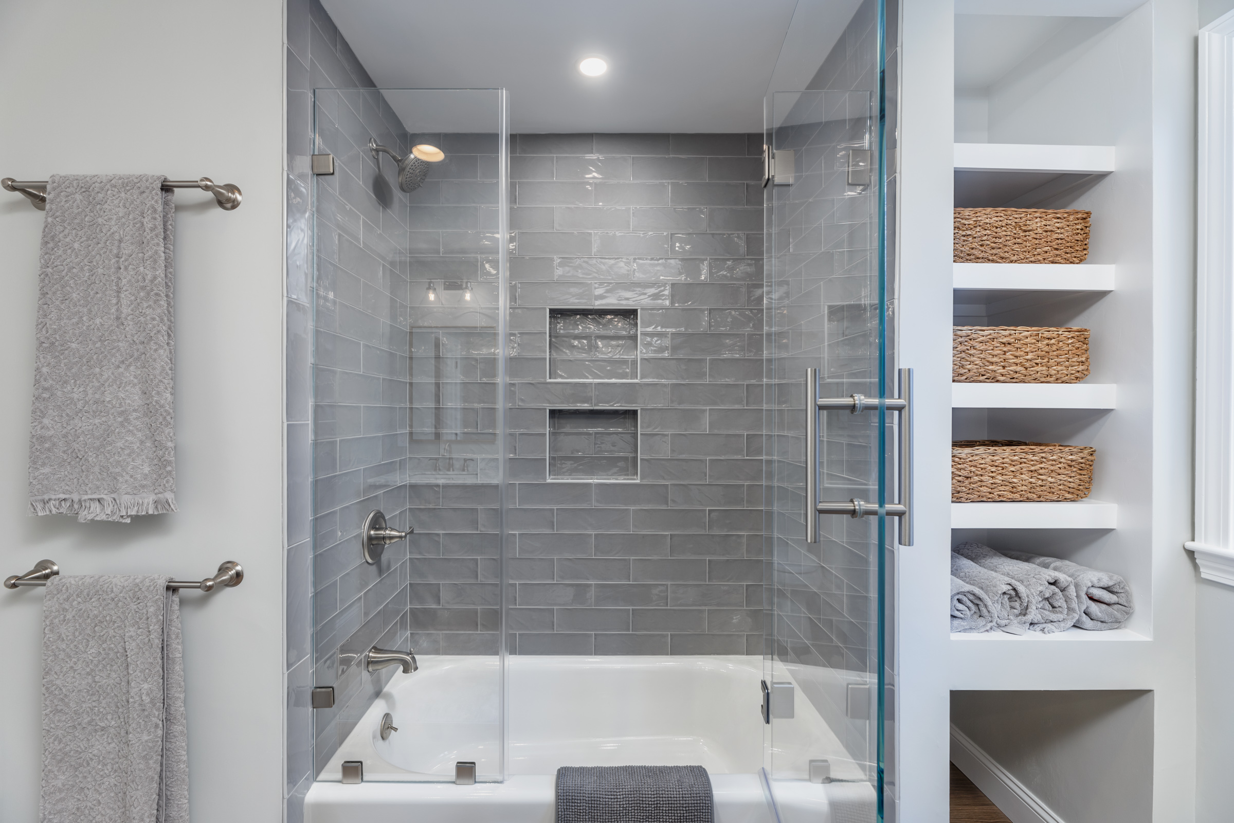Shower built-in and towel rods.jpg