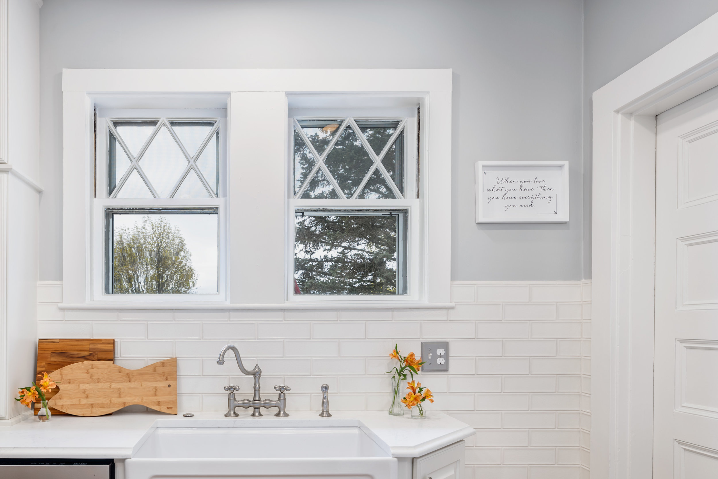 Sink and window - Cropped.jpg
