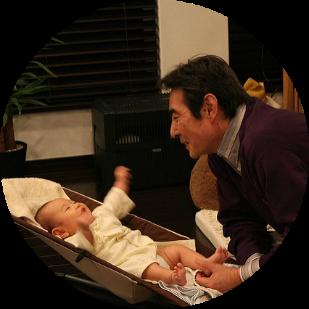 Baby and grandfather, by Toshimasa Ishibashi, cc..png