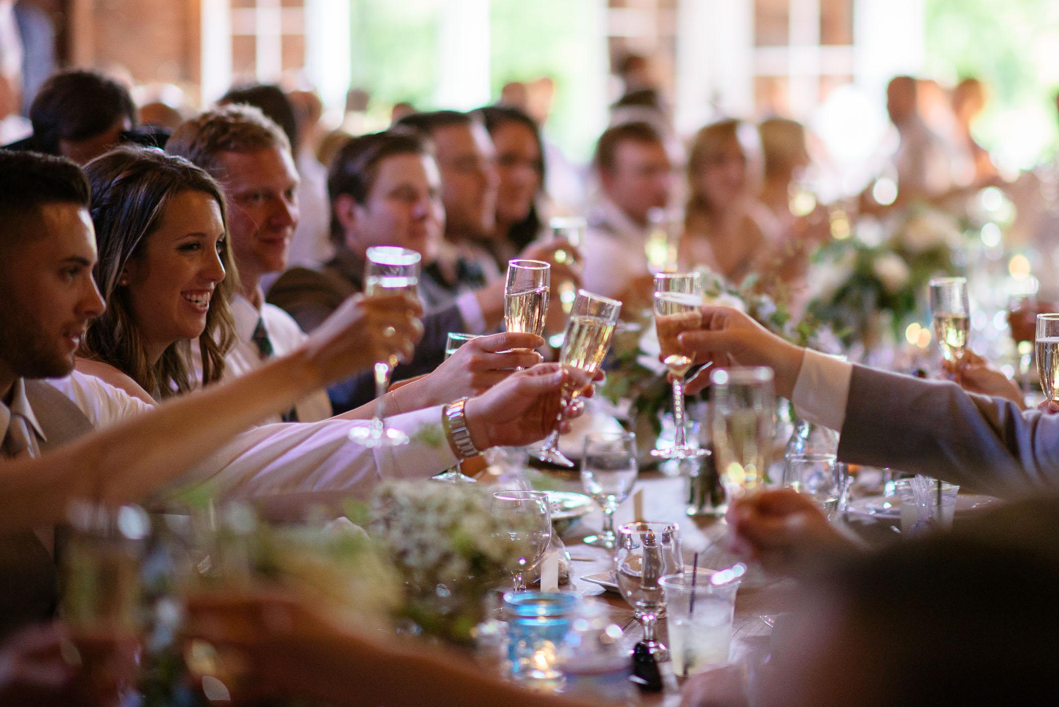 michigan_wedding_at_blue_dress_barn_037.jpg