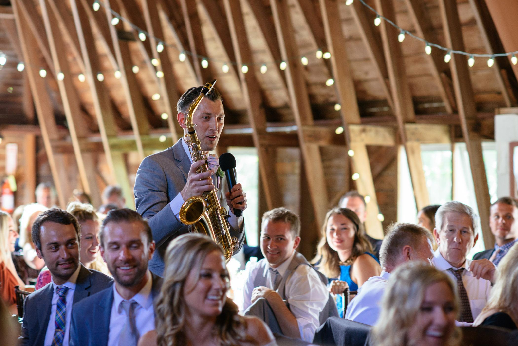 michigan_wedding_at_blue_dress_barn_039.jpg