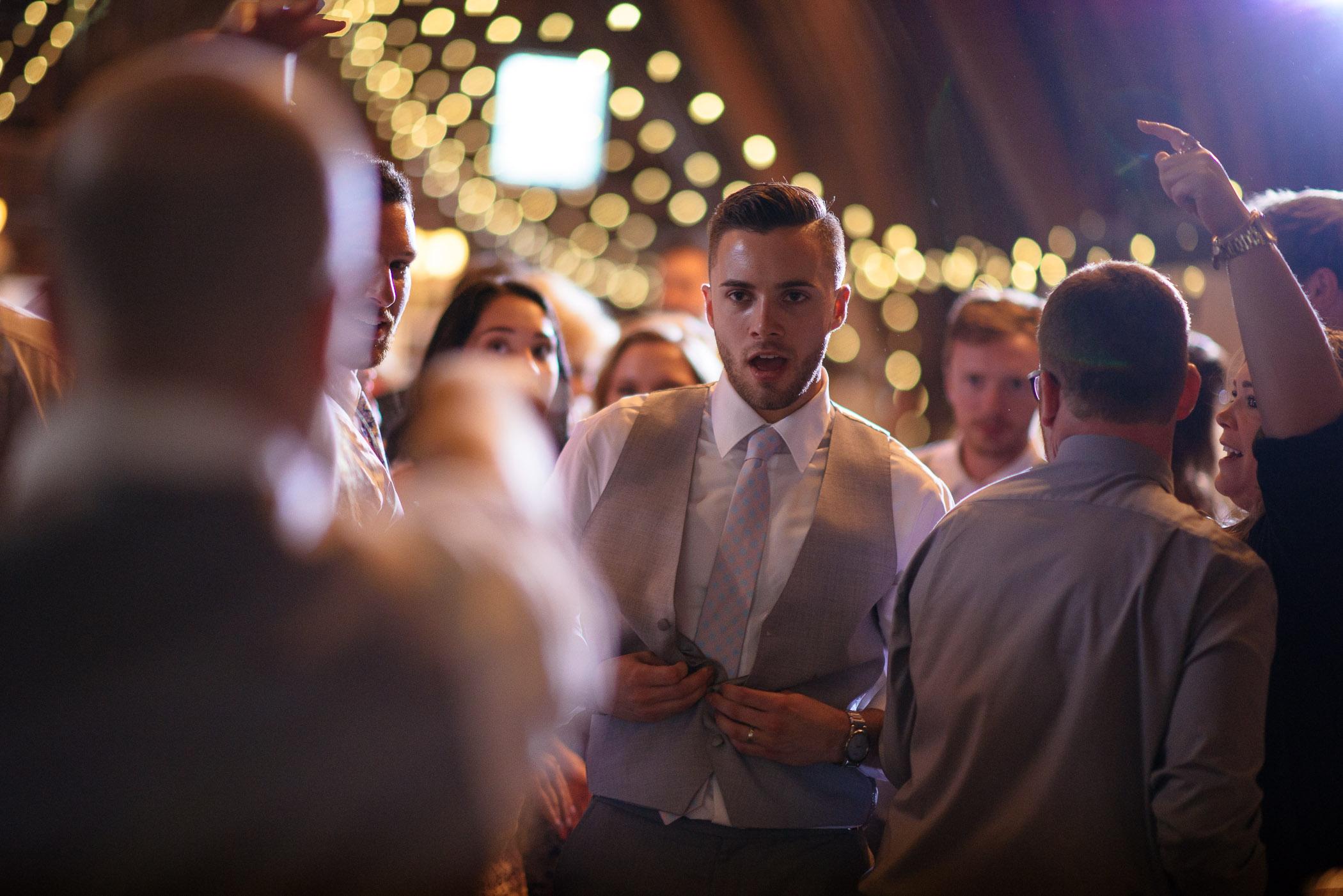 michigan_wedding_at_blue_dress_barn_064.jpg