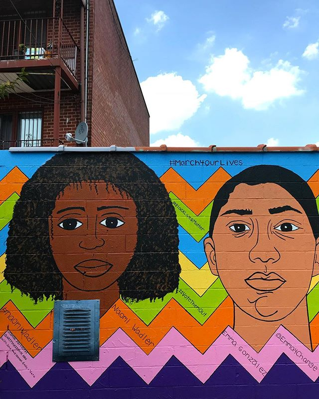 From @artmakersnyc depicting #marchforourlives leaders Naomi Wadler and Emma Gonzalez. @wellingcourtmuralproject . . . #nyc #newyork #newyorkcity #astoria #ravenswood #queens #wellingcourtmuralproject #art #activism #blacklivesmatter #femaleleaders #parkland #thefutureisfemale #naomiwadler #emmagonzalez #streetart #nycstreetart #streetartphotography #mural #muralproject #streetmural #cityphotography #citylife #nycphotography #urbanism #utbanphotography #homebodynetwork #homebodynyc #homebody