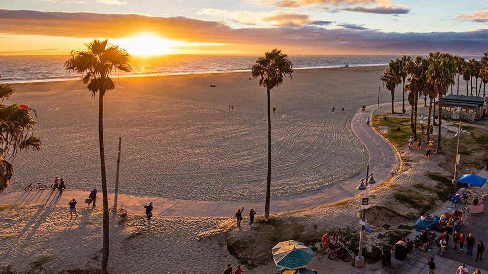 chill beach & epic coastline dtour -