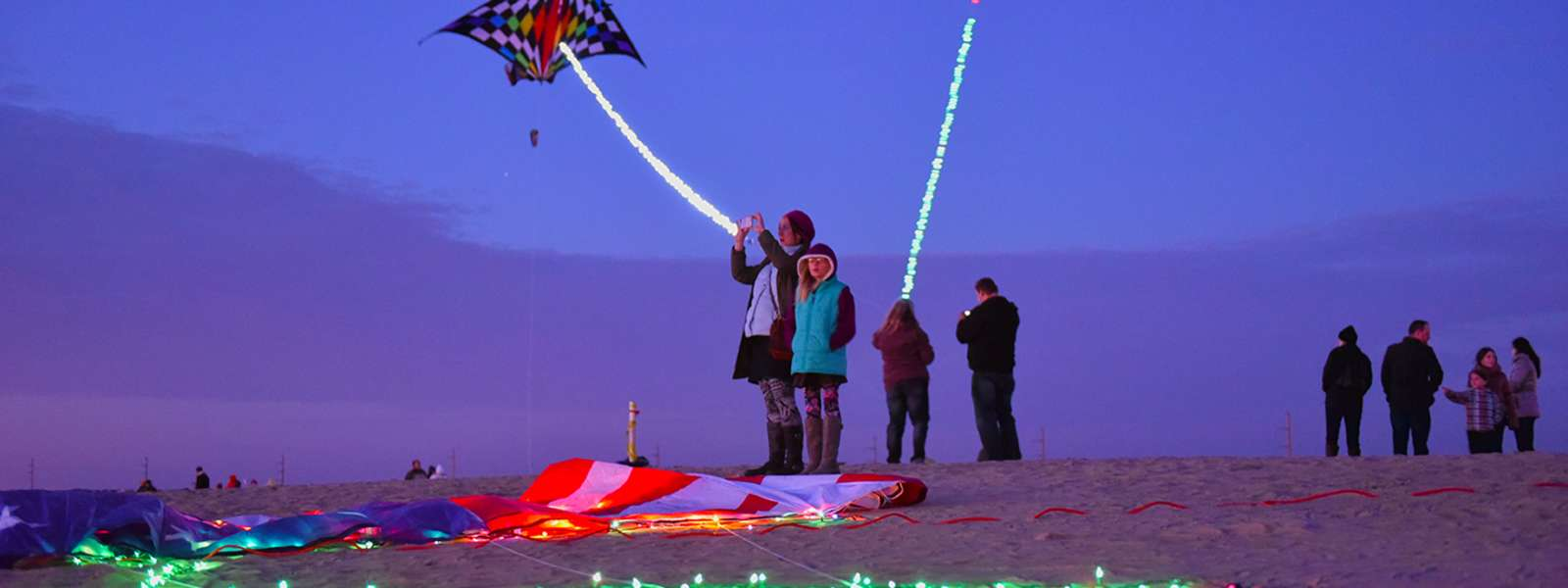 KitesWithLights_OuterBanksNC_4_90d46873-a9c0-4d07-9aae-db7caec5b936.jpg