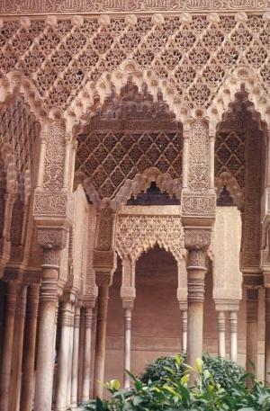 Intricate Alhambra Pillars