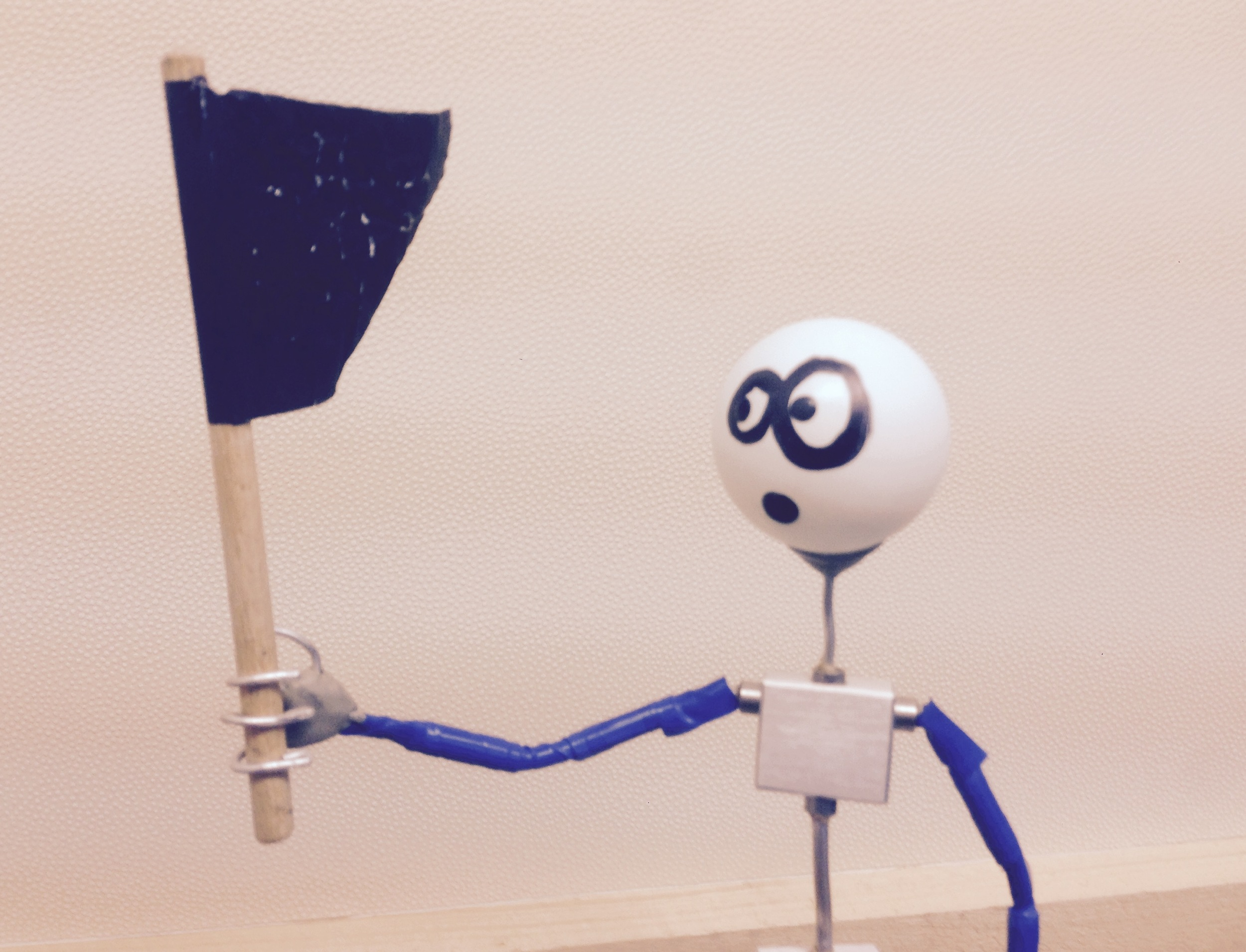 Material animieren. Die Fahne ist aus Folie.