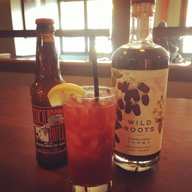 These two make quite the tasty combo! @cock_n_bull_gingerbeer, Wild Roots Marionberry vodka, and a splash of lemon. 👌🏼