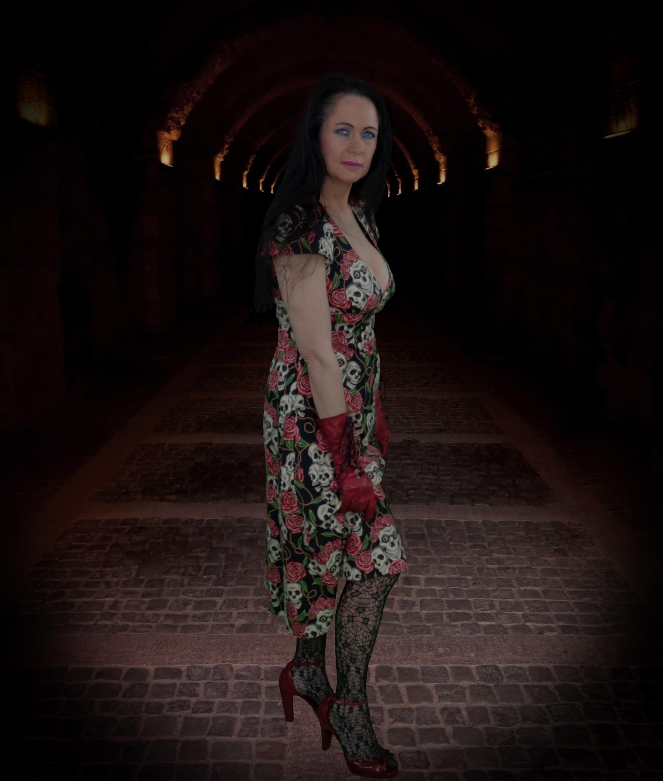 Judy Vamp-Shire in a dark tunnel!