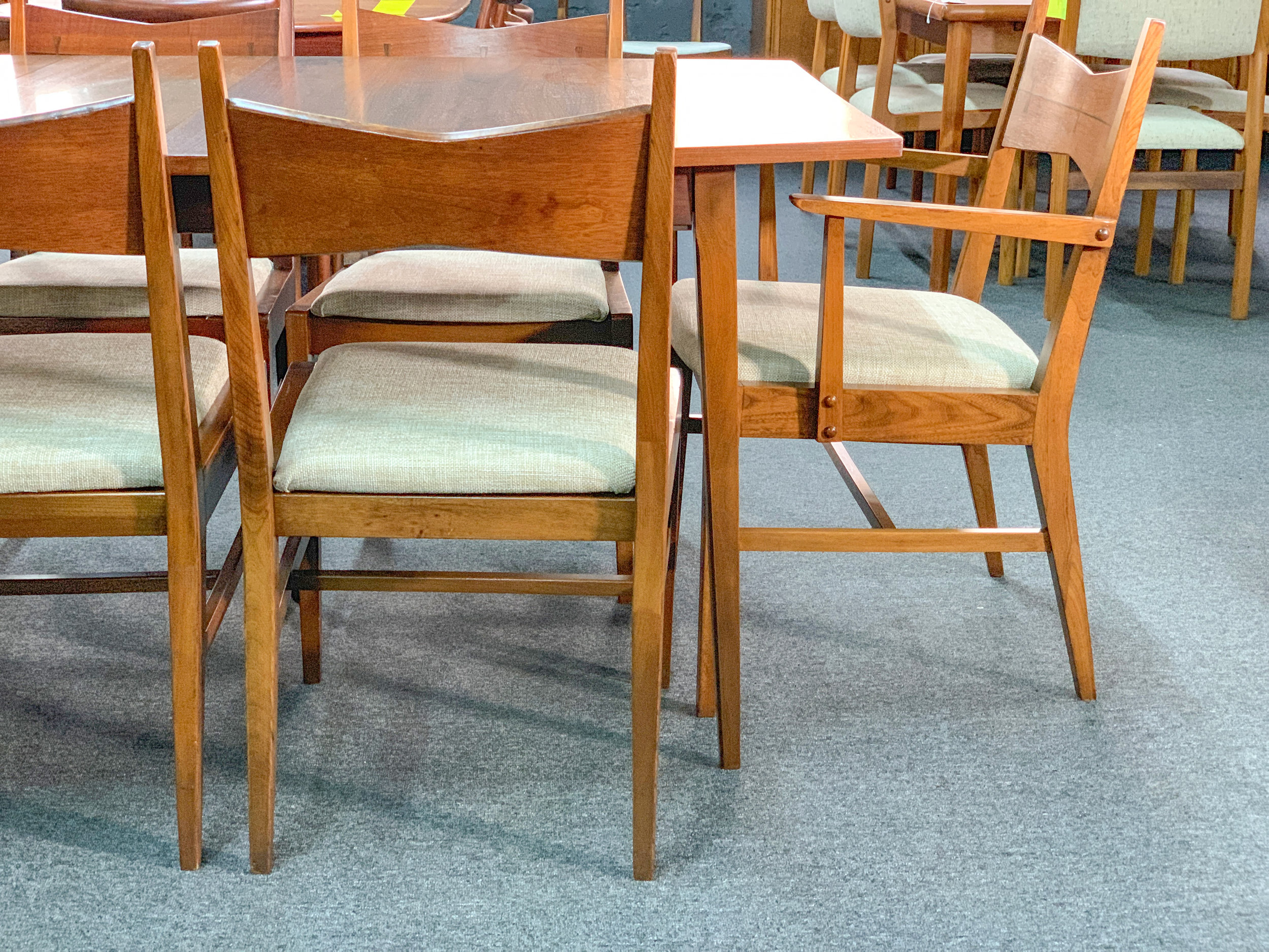 Dining Table 31 W X 3 Leaves 12 Each 42 D 29 H 1200 Set Of 10 Chairs 18 25 Seat 24 20 2500 2 Captain 8 Side