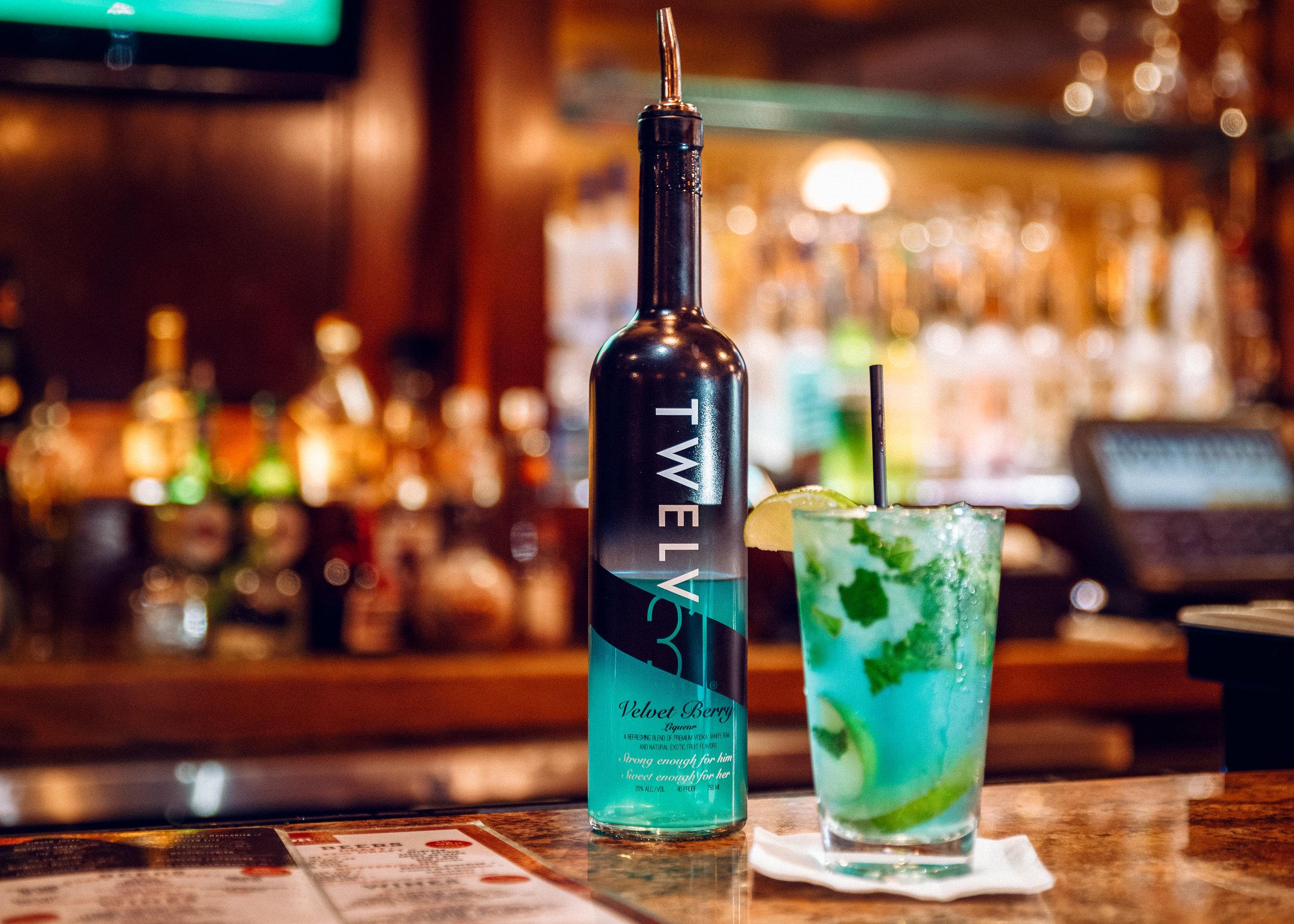 Twelv 31 Velvet Berry Liquor Black Bottle.- Mojito Drink
