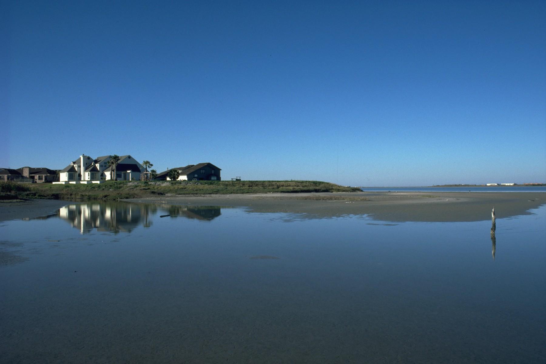 richter residence bay.jpg