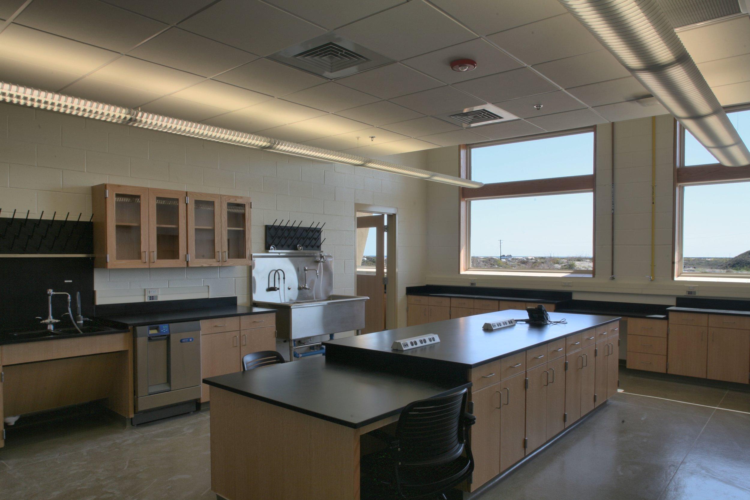 UTMSI lab.jpg