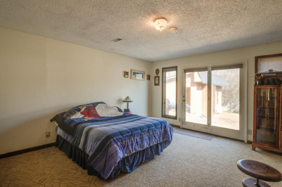 ourtnlife renovation master bed