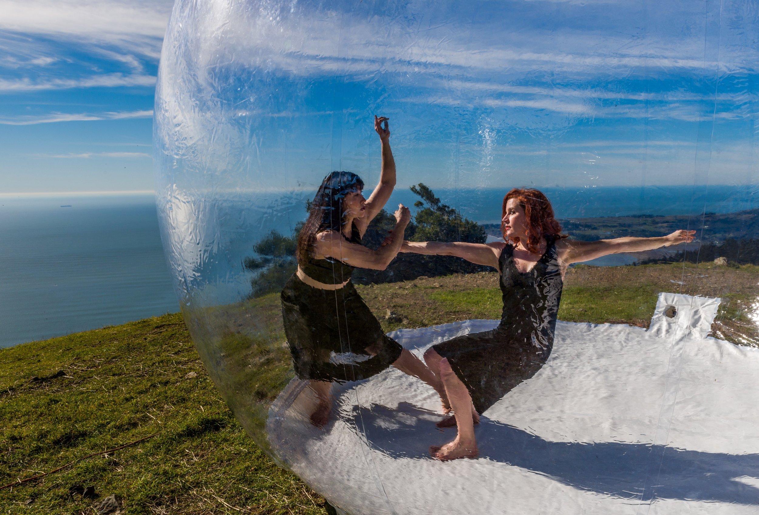 "Katerina Wong and Jenni Bregman - Printz Dance Project's ""GLASSlands"" by Jeff Zender"