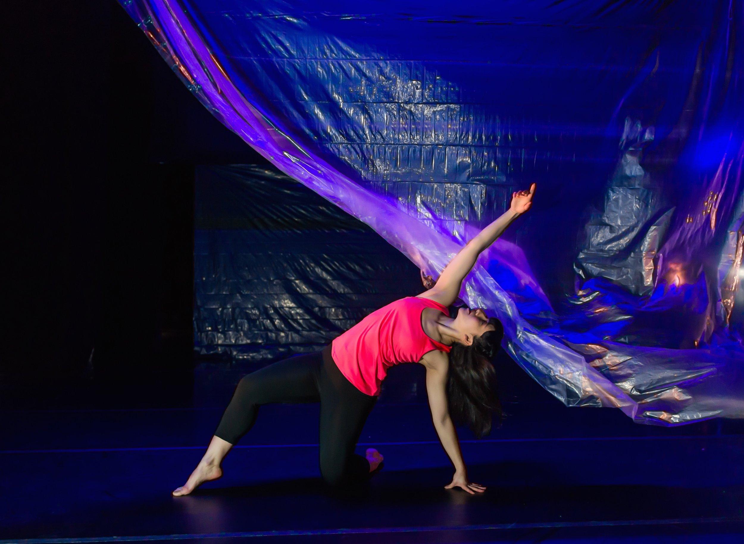 """Katerina Wong - Printz Dance Project's """"GLASSlands"""" by Jeff Zender"""