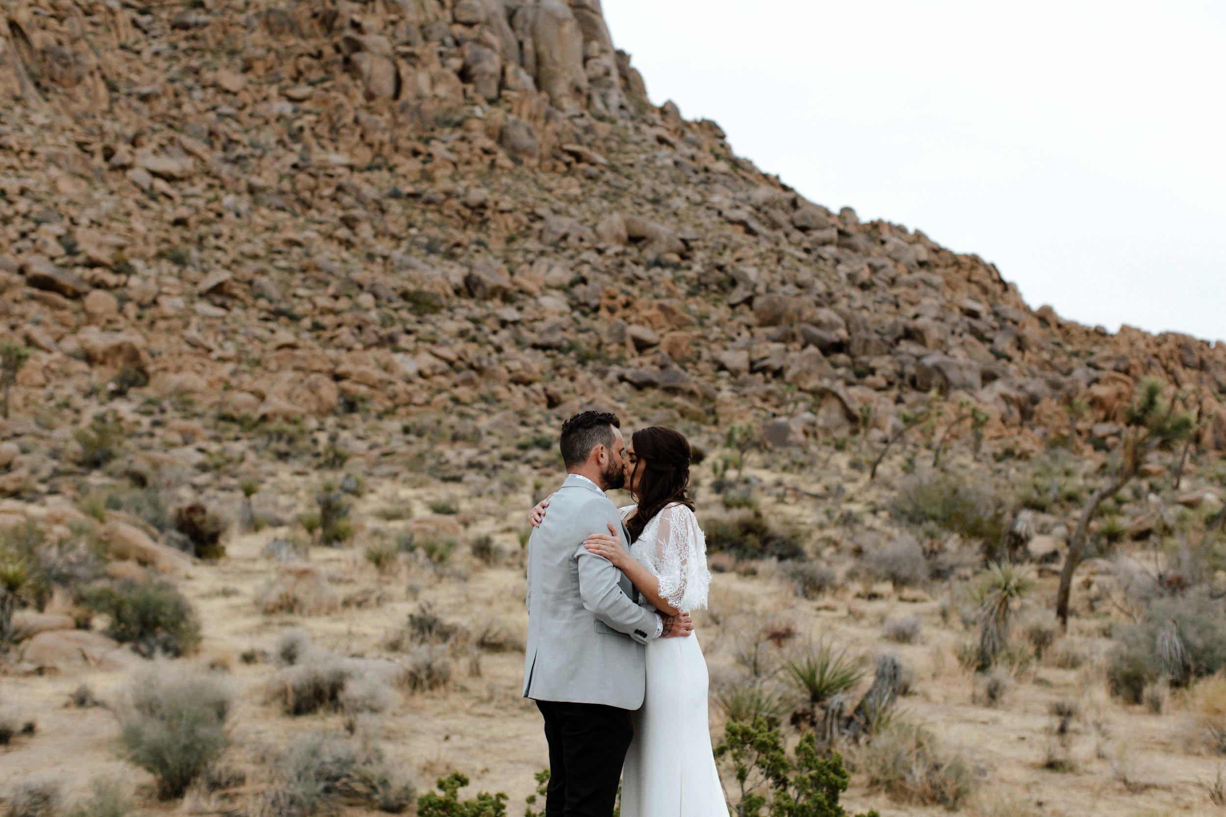 America Joshua Tree Palm Springs Elopement wedding-34.jpg