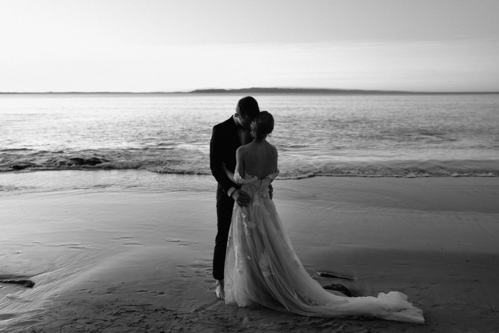 Noosa Byron Bay Elopement Wedding-44.jpg