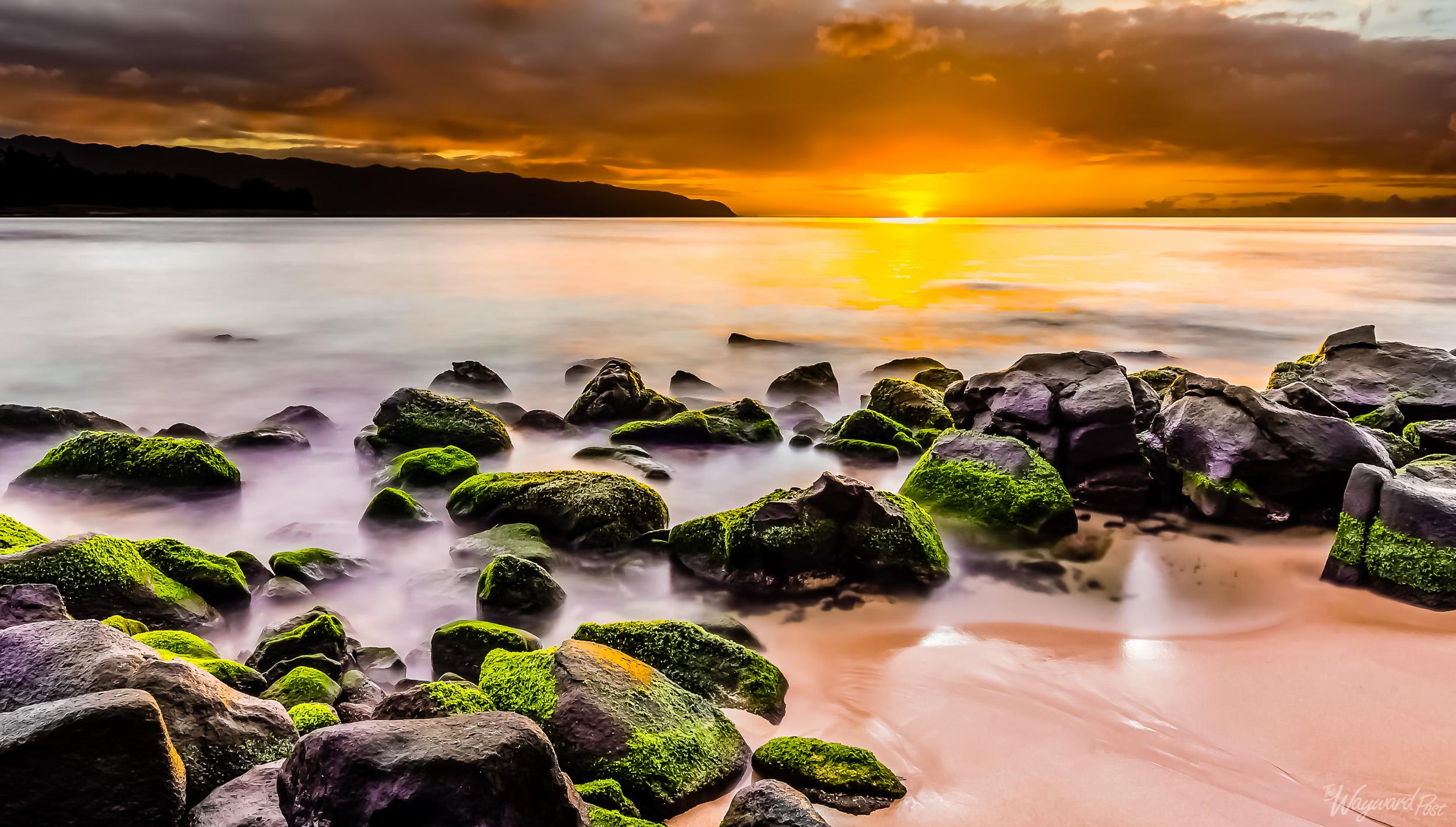 Sunset near Laniakea Beach on the North Shore of Oahu.
