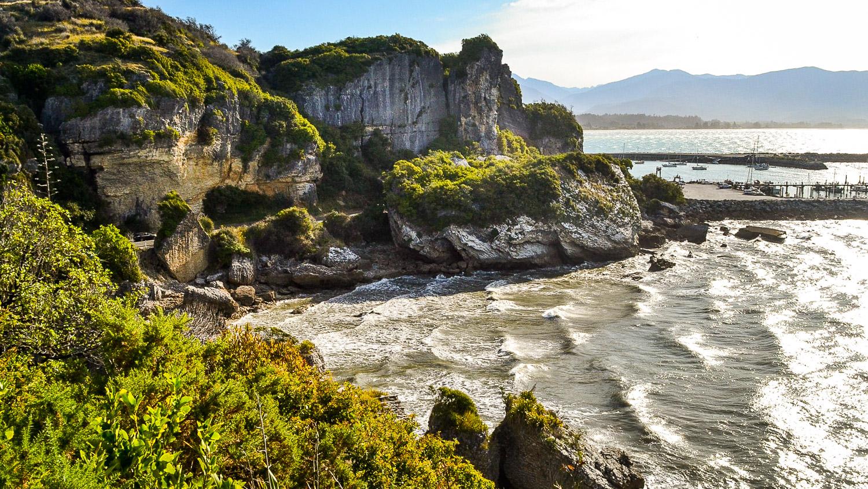 Golden-Bay-Hideaway - Julia Reynolds - The Wayward Post (5 of 13).jpg