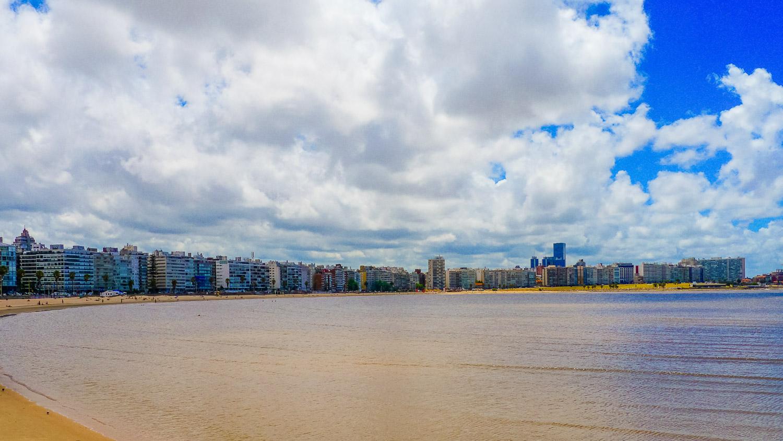 Playa de los Pocitos Johanna Read TravelEater.net - Wayward Weekend in Montevideo, Uruguay
