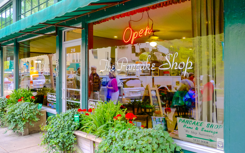 The Pancake Shop, Hot Springs Arkansas. Photo by Johanna Read TravelEater.net - Wayward Weekend - 16.jpg