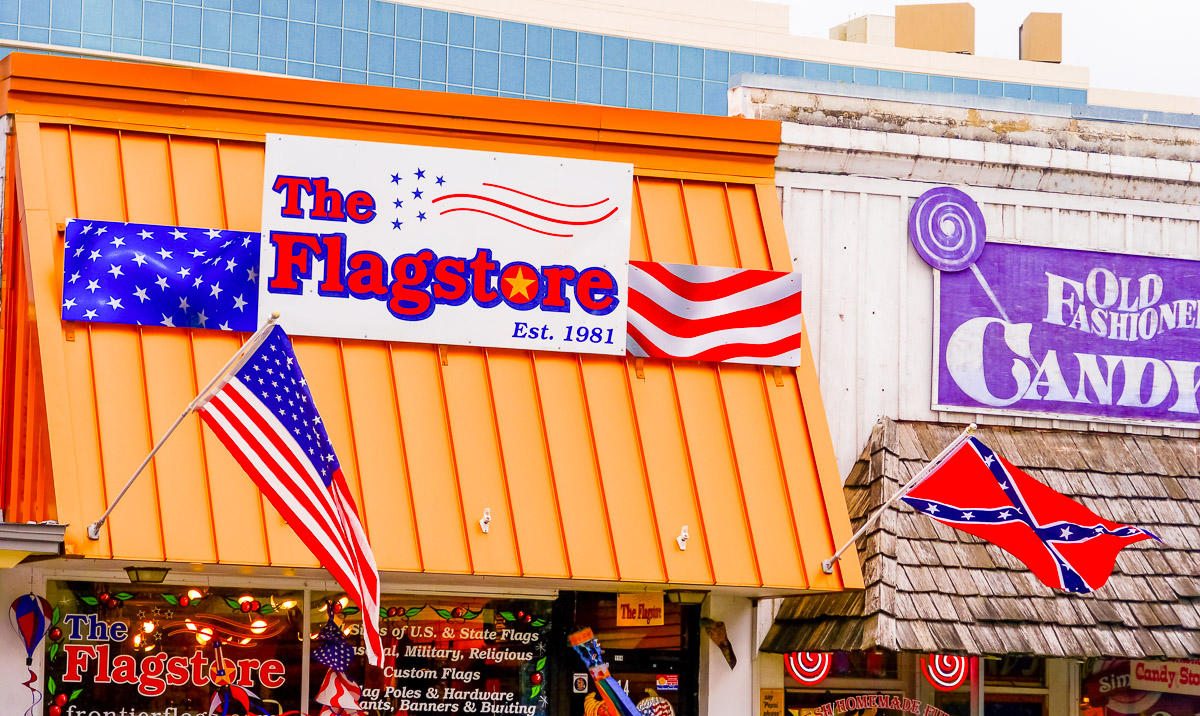 Store selling Confederate flags. Photo: Johanna Read TravelEater.net