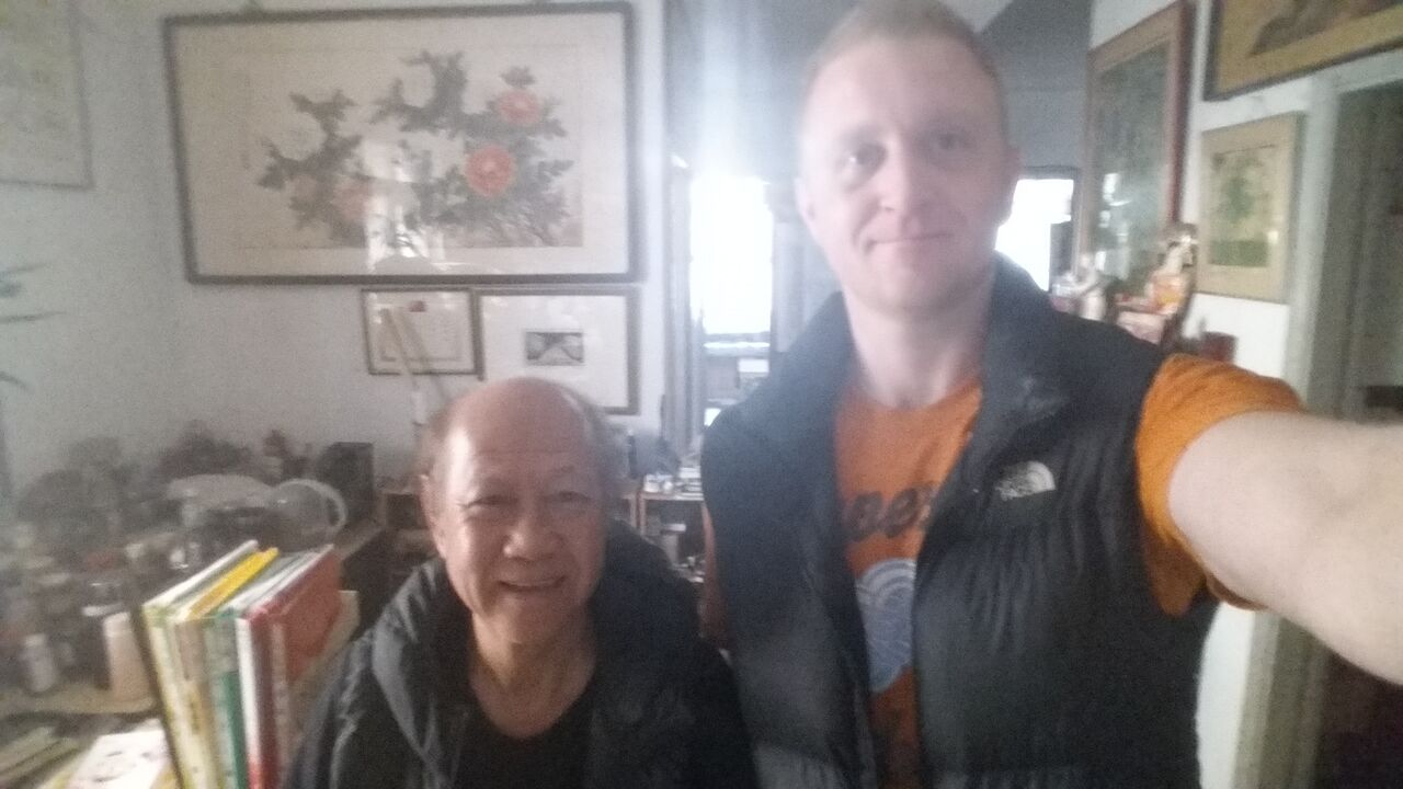 Robert Ley with GM Lo Man Kam in his home in Taiwan