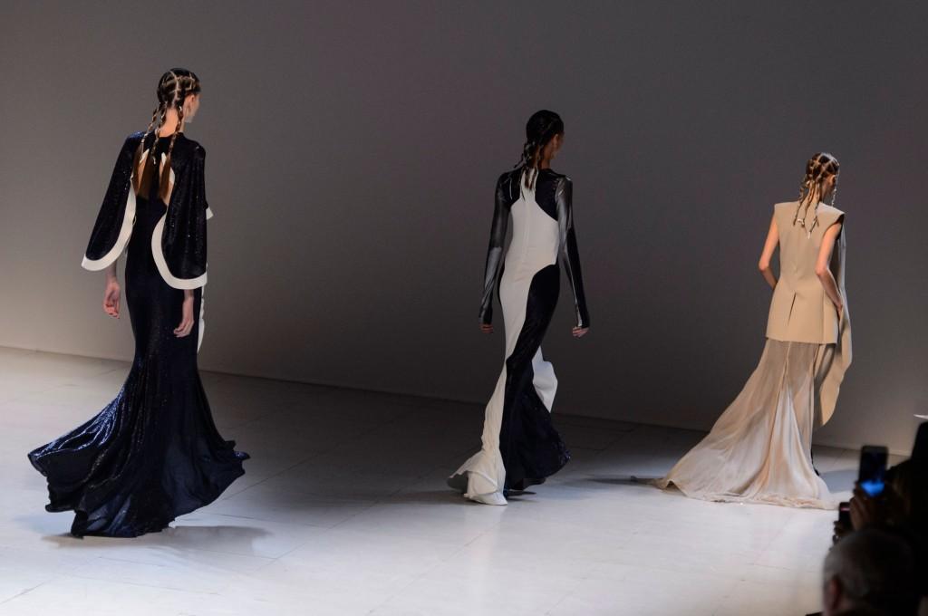 esteban-cortazar-spring-2016-fashion-show-the-impression-22-1024x680.jpg