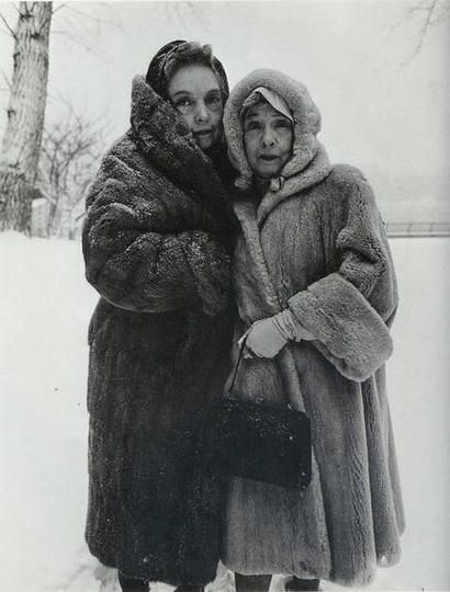 Lillian and Dorothy Gish, eleventh generation Americans and renowned film stars, of Orphan of the Storm and Way Down East, Central Park, NYC, 1964