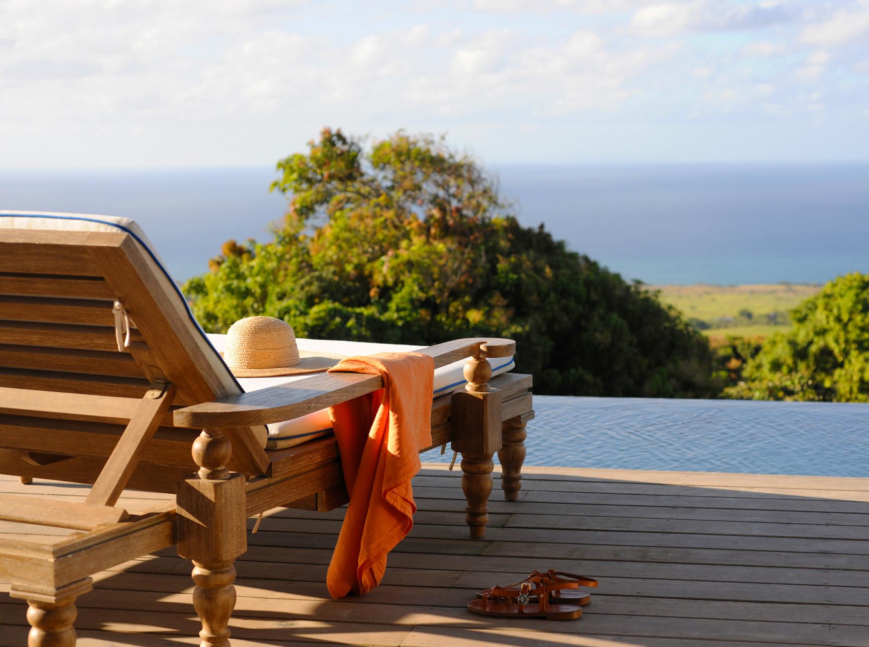 Cottage - sunbed & pool.jpg