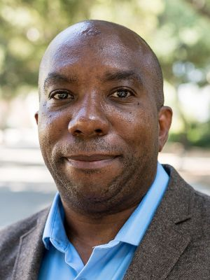Dr. Edray H. Goins is a Professor of Mathematics at Pomona College in Claremont, CA and president of the National Association of Mathematicians. Edray presented at BEAM Discovery Los Angeles.