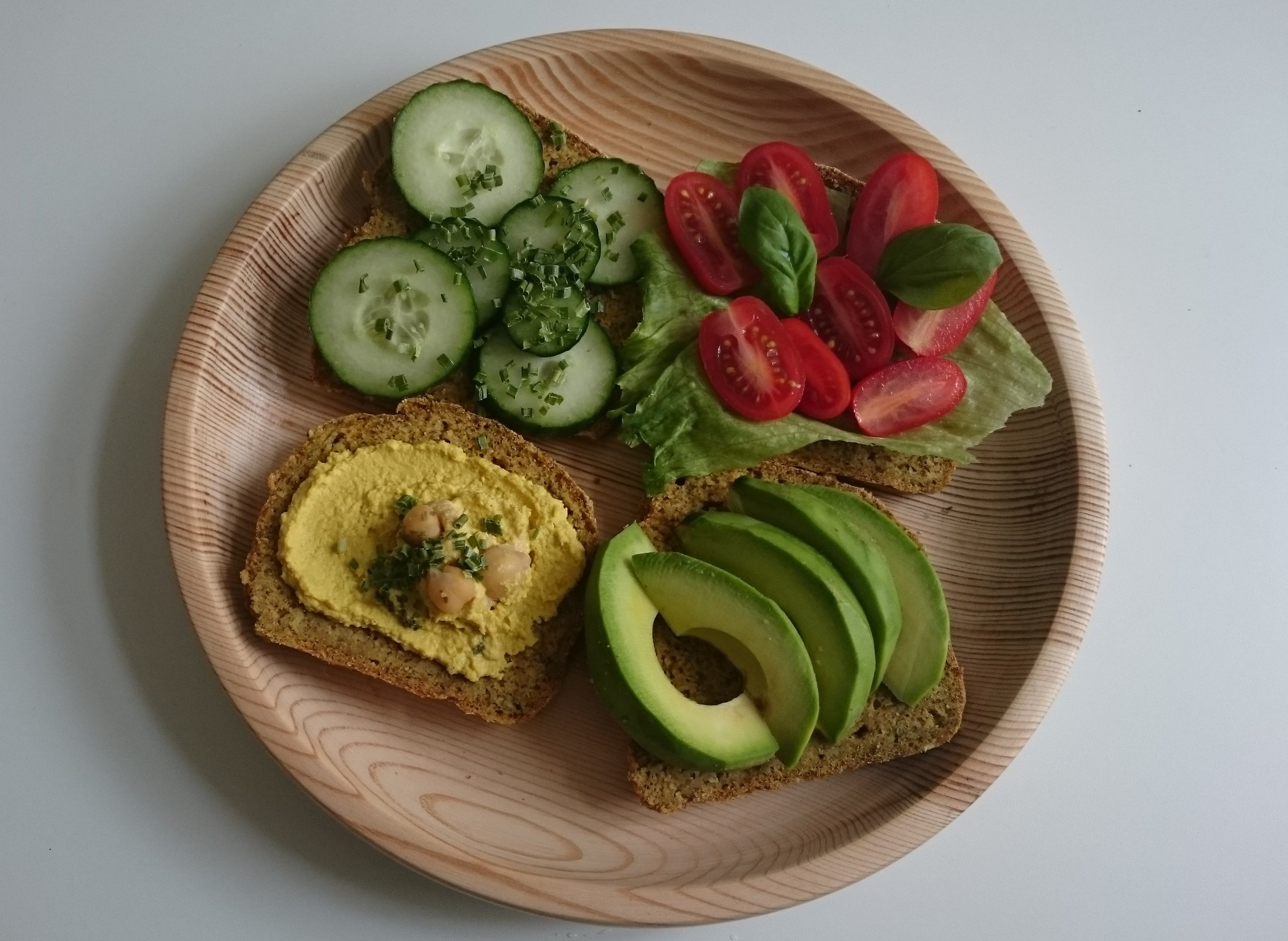 Goes really well with curry hummus, avocado and your summery veggies!