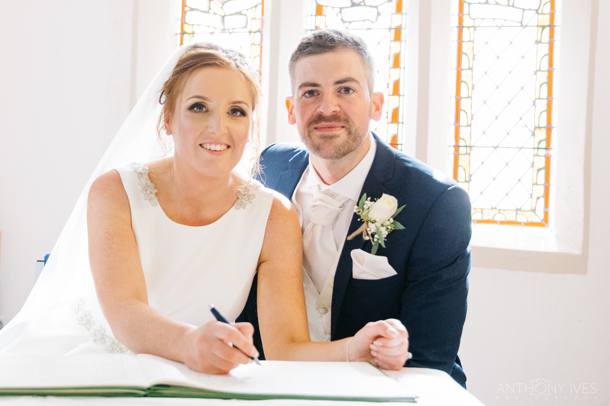 012 Shireburn Arms Preston Wedding Photography.jpg