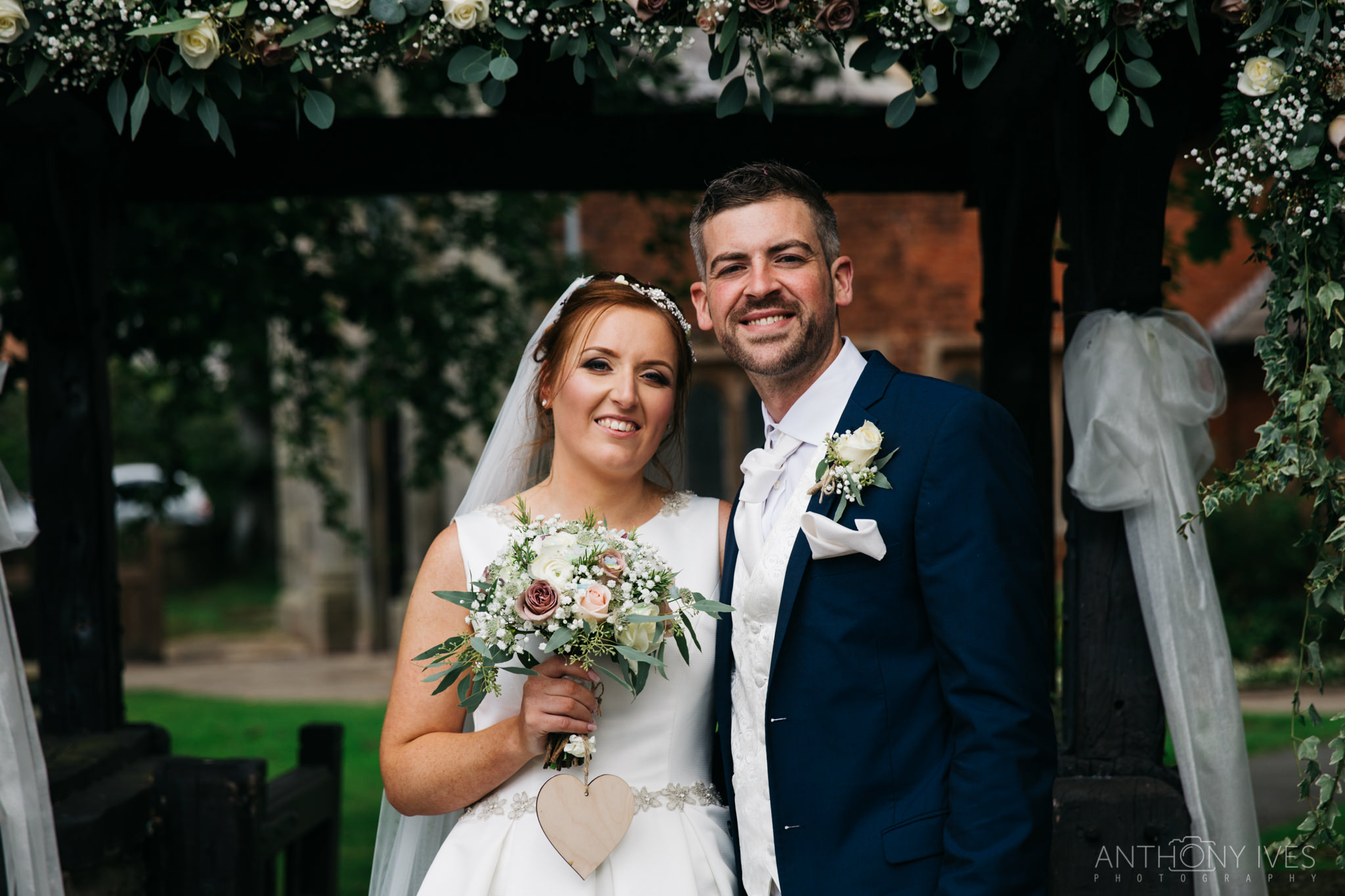 016 Shireburn Arms Preston Wedding Photography.jpg