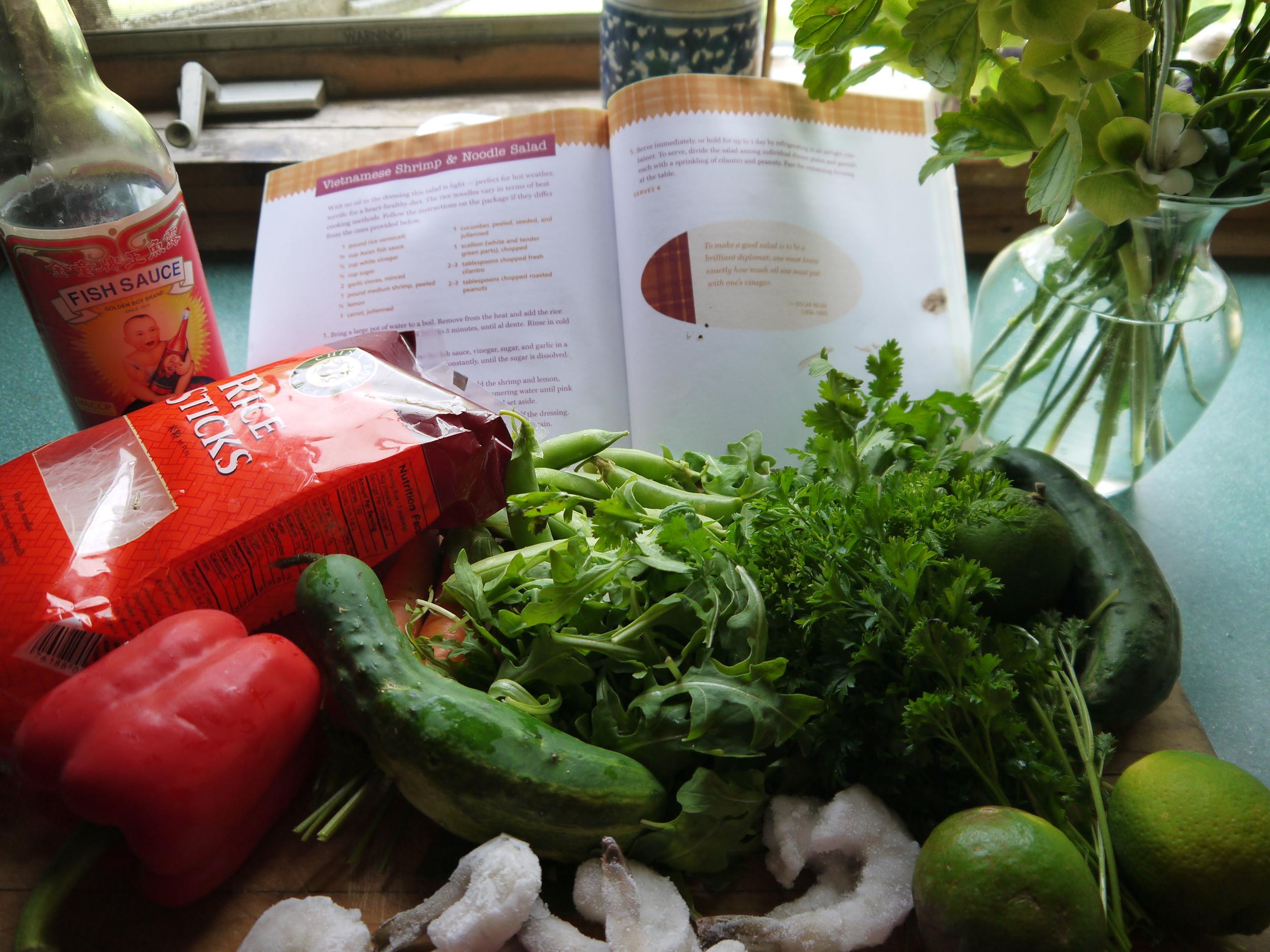 vietnamese shrimp and noodle salad 001.JPG